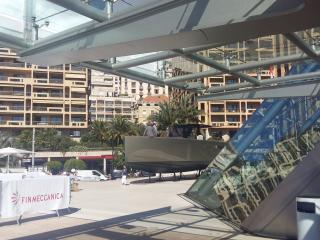 FJORD 40 Edition Limitée sur l'esplanade du Forum Grimaldi